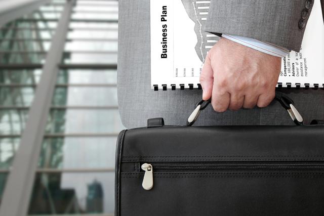 仕事が早いビジネスマン鞄の中身