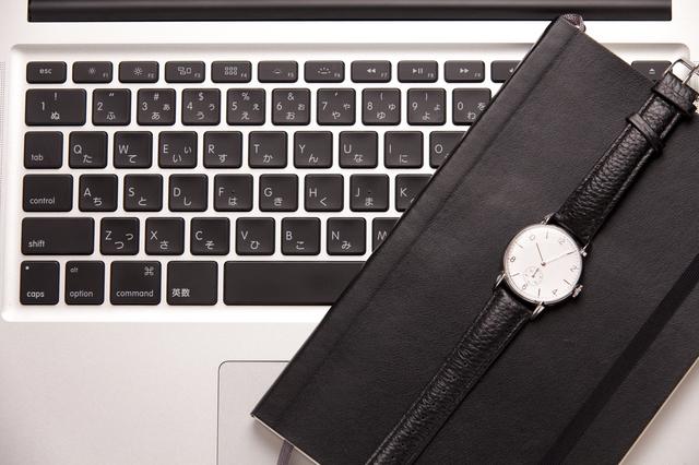 営業マン革バンド腕時計