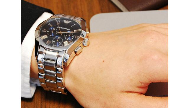 エンポリオアルマーニ腕時計価格
