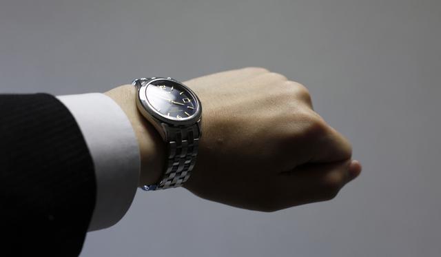就職祝いに腕時計おすすめ
