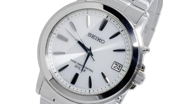 白文字盤腕時計