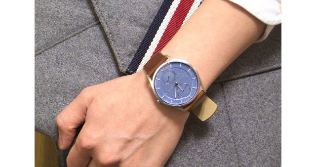 スカーゲン革ベルト腕時計