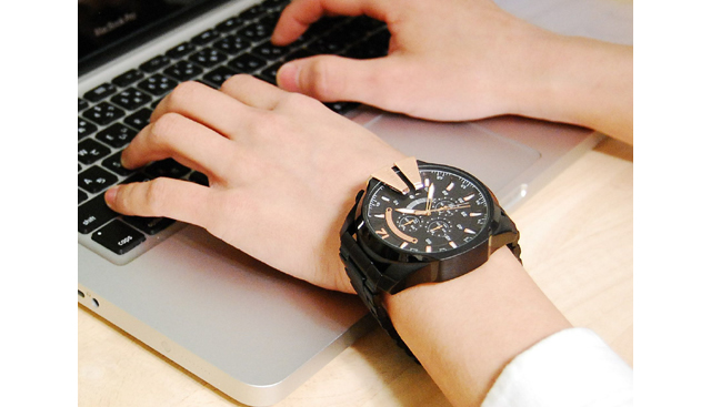 ディーゼル メタルバンド腕時計