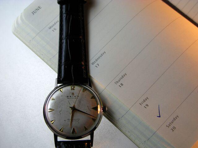クオーツ腕時計なら薄く軽量にできる