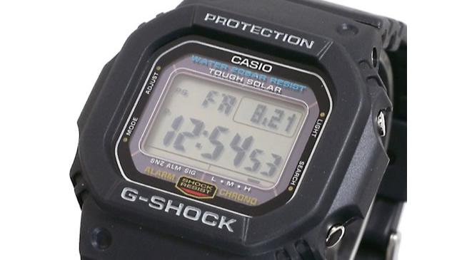 Gショックデジタル腕時計