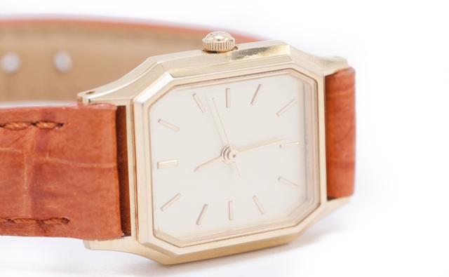 クォーツ腕時計メリット
