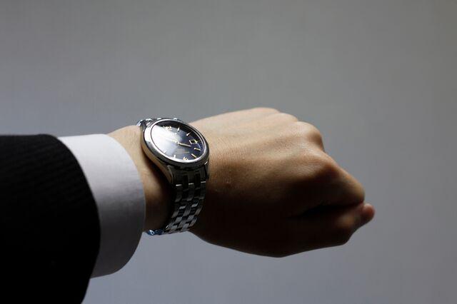 自動巻きは男性用の高級腕時計にも多く採用されている!