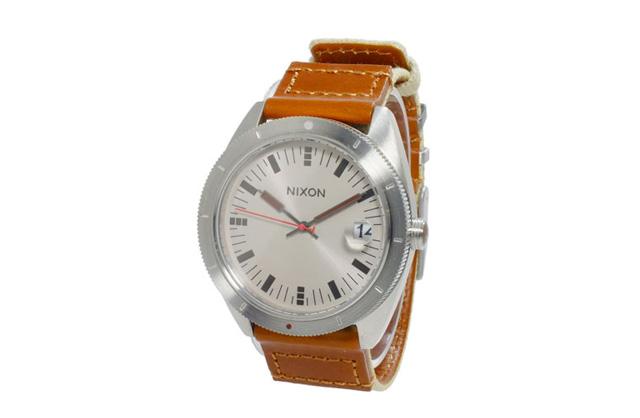 ニクソン革ベルト腕時計