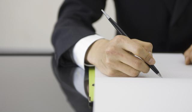 社会人とボールペンの関係
