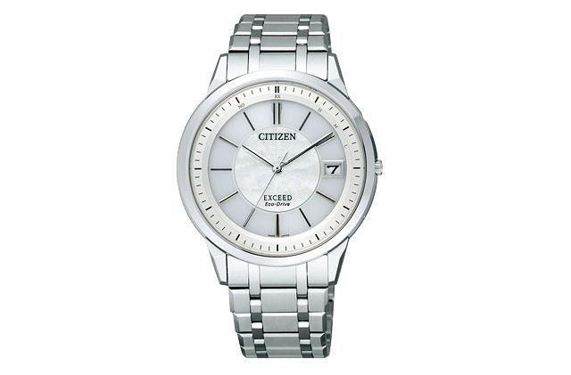 チタン素材の腕時計