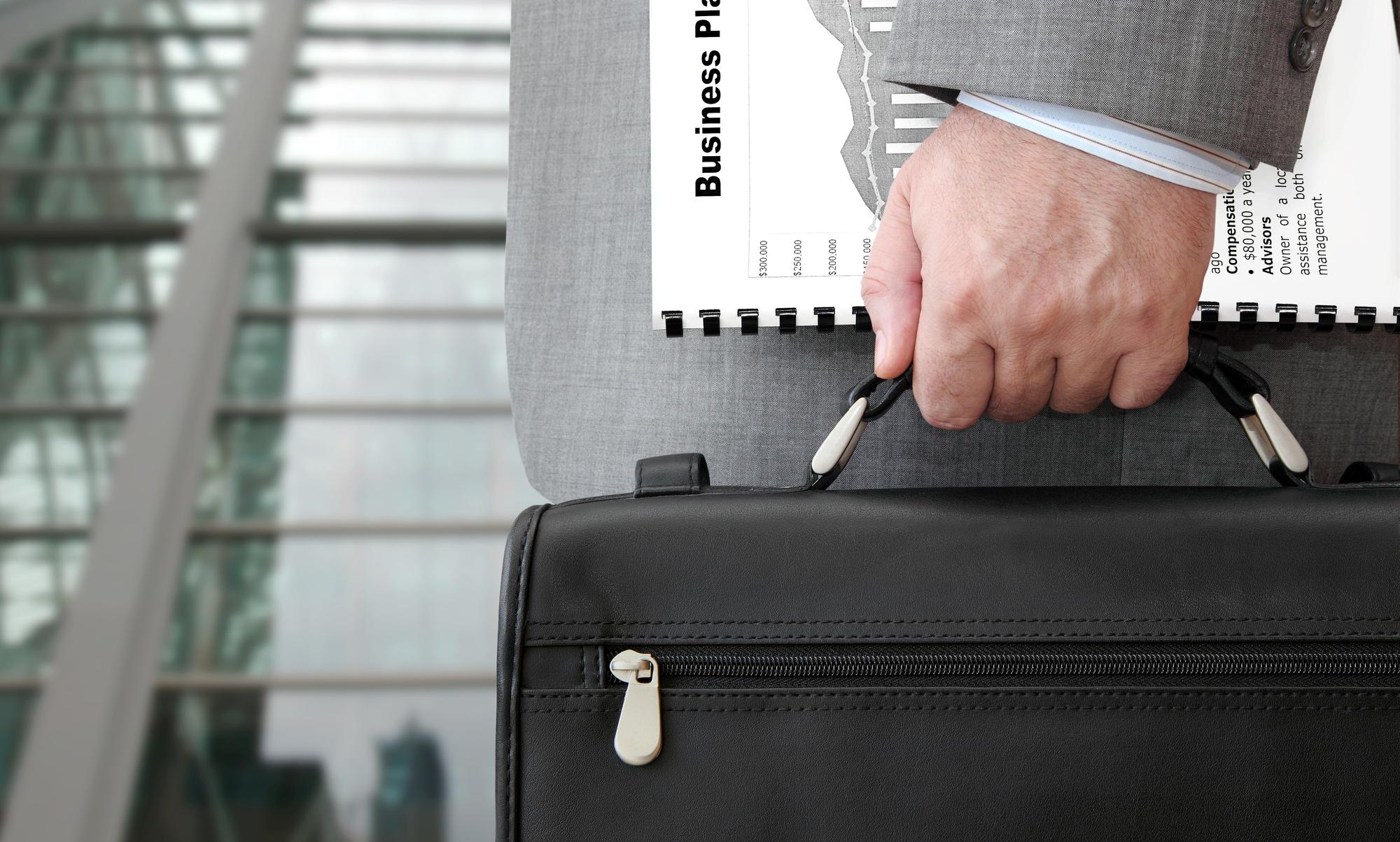 オシャレなビジネスバックを持つメリット