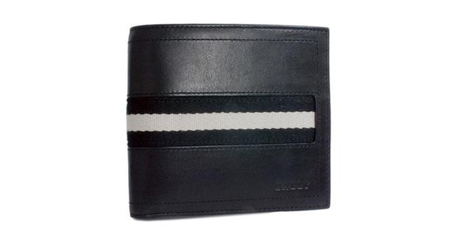 バリー二つ折り財布