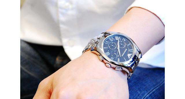エンポリオアルマーニどんなシーンにも相応しい腕時計