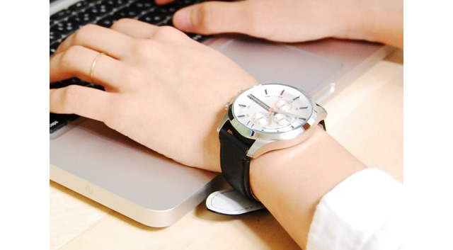 アルマーニエクスチェンジ 革ベルト腕時計がおすすめ