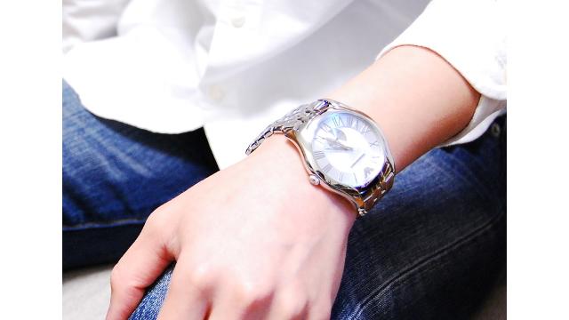 エンポリオアルマーニのメタルバンド腕時計