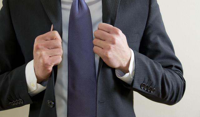 スーツとの相性も良い