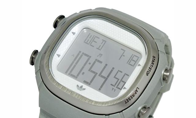 アディダス腕時計ADH2110