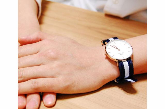 ベルトがおしゃれなダニエルウェリントンナイロンベルト腕時計