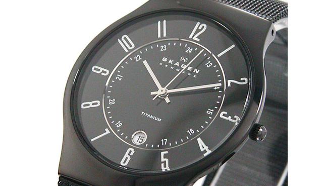 スカーゲウルトラスリムチタン腕時計