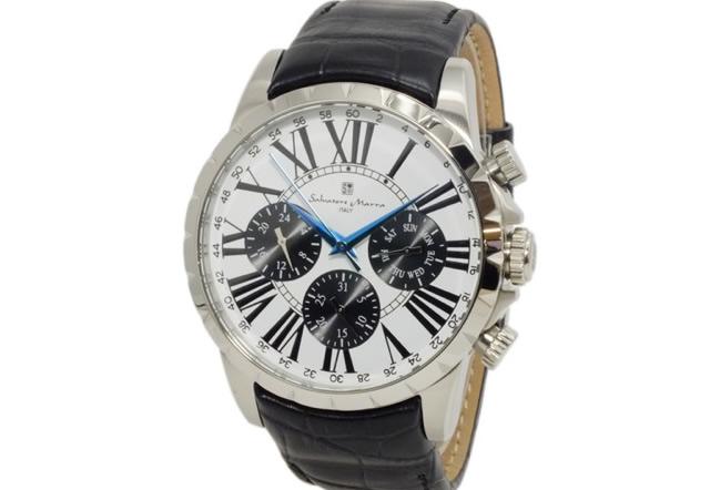 組み合わせが多くて選ぶのも楽しめる腕時計