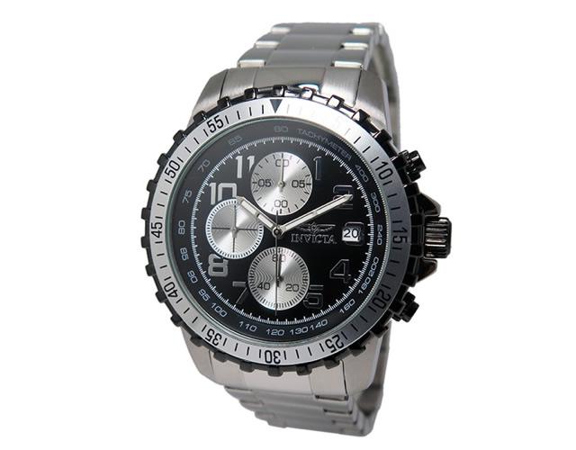 奥行きのあるデザインがラグジュアリーな腕時計
