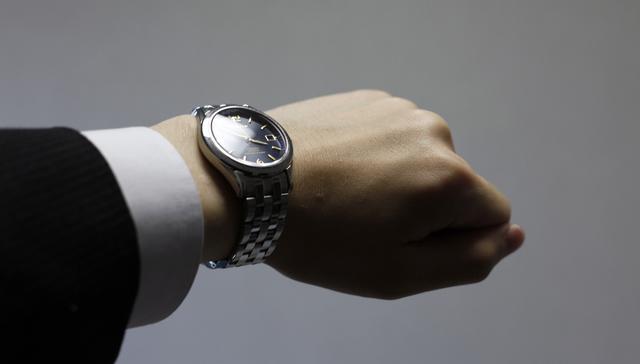存在感も高く、ワンポイントに決まる腕時計
