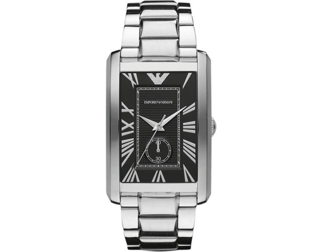 男性らしく、そしてスマートに決まる腕時計