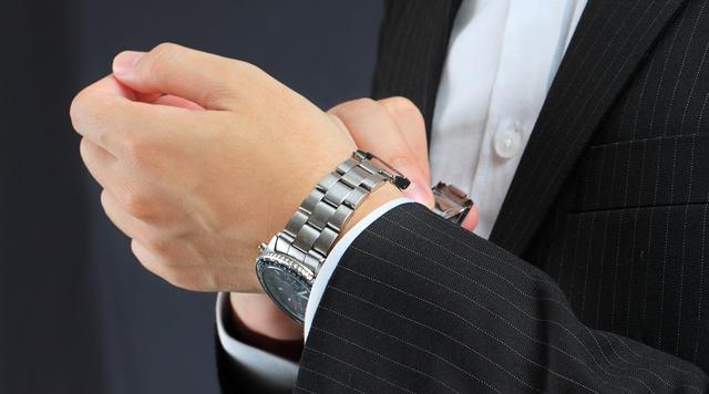 グランドールのメンズ腕時計が似合う年齢層