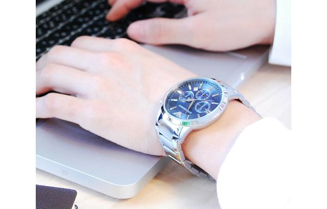 エンポリオアルマーニメタルバンド腕時計