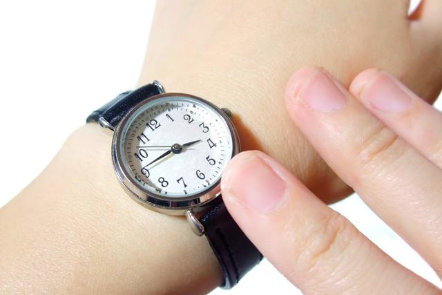 個性派男子におすすめなPOS腕時計の魅力