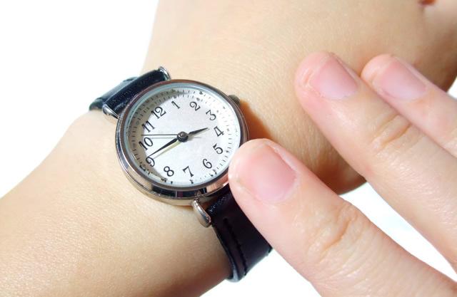 贅沢素材でラグジュアリーに見せてくれる腕時計