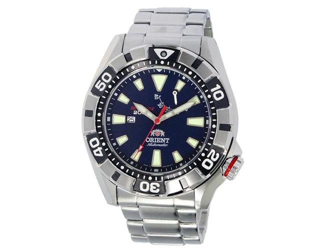 スポーツフォーマルだからオンオフに使える腕時計