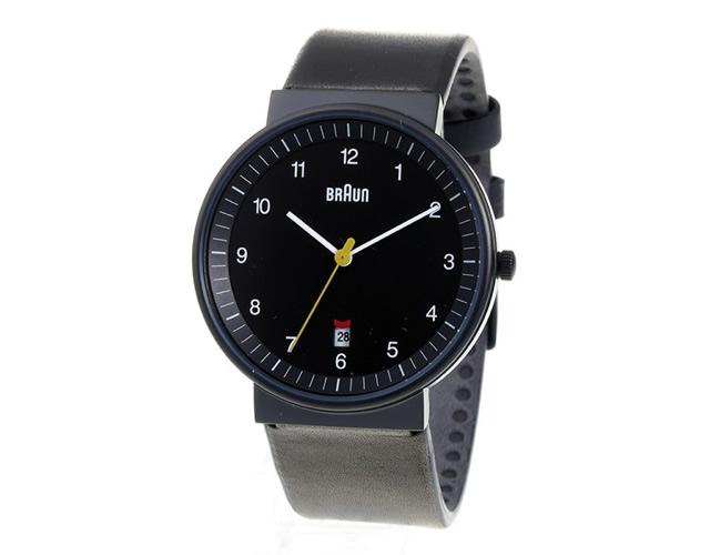 機能にこだわったカッコいいブラウン腕時計