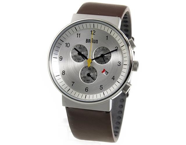 シンプルだから仕事にも休日もオッケーなブラウン腕時計