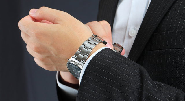 シンプルでクラシカルなカルバンクライン腕時計
