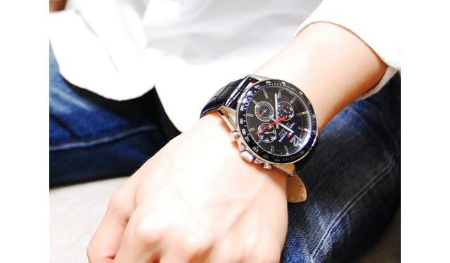 種類豊富なトミーヒルフィガー腕時計