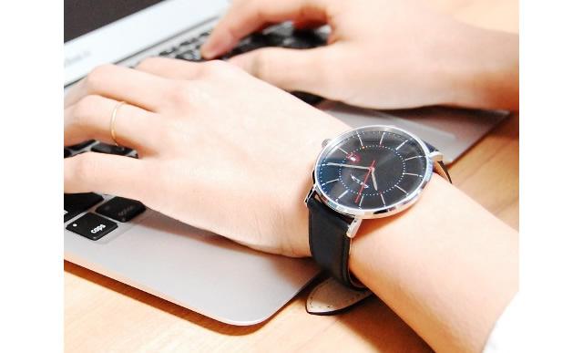 軽量で腕にきちんとフィットする腕時計