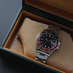 seiko5-of-a-mens-wristwatch-of-the-man-who-fusses-2