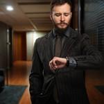 シンプルメンズ腕時計のダニエルウェリントンブラックシリーズがおすすめ