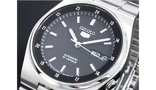 無駄のないデザインだから高級感がある腕時計