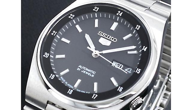 正確さとさりげないおしゃれさがポイントな腕時計
