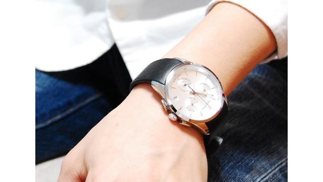 カルバンクラインのメンズ腕時計を持っている人のイメージ