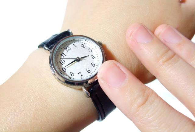 ベーシックだからどんなスーツにもマッチする腕時計