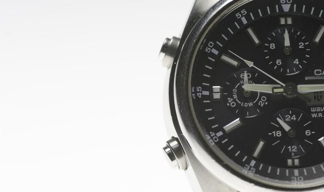 ビジネスマンが腕時計しないのはあり