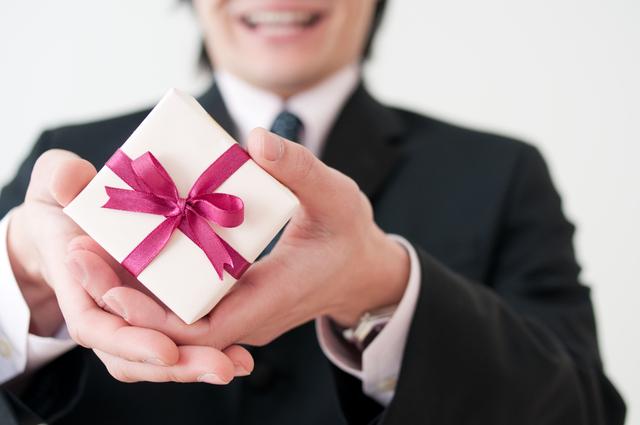 バレンタインに贈るなら定番のメンズアイテム