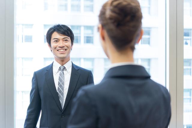 会社で人気者になる男性の特徴