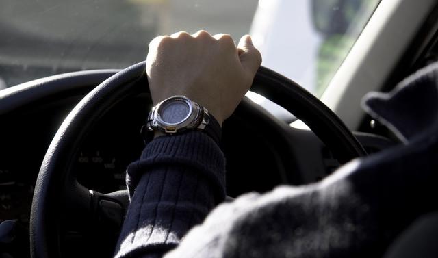 運転中の横顔