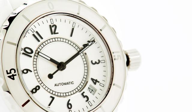 大きい文字盤のメンズ腕時計