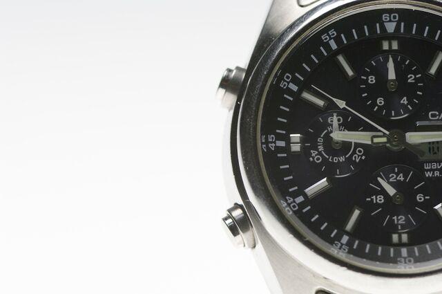 腕時計の最近のトレンドは大きめ・厚め