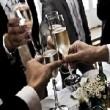 結婚式のフォーマルコーデに使えるおすすめのメンズ財布ブランドランキング